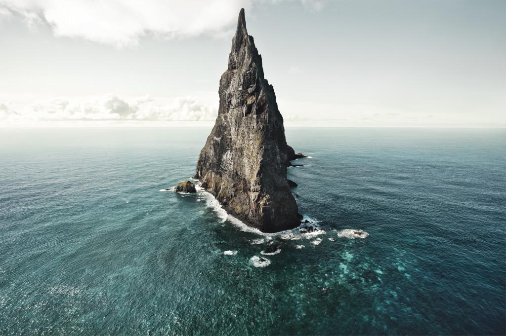 1_balls-pyramid-lord-howe-australia-by-hatty-gottschalk