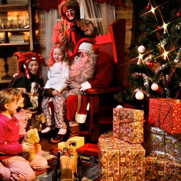 SANTAS-HOME_Vieraile-joulupukin-luona_1
