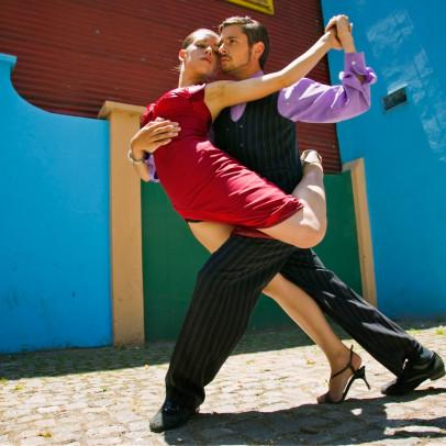 AAN53J Tango dancers in La Boca.