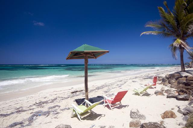 seaside sallie peachie beach corn island nicaragua