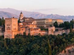 Alhambra, alla Scoperta del Fascino Arabo nel Cuore della Spagna [con Video]