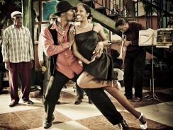 VIDEO. Ti invito a CUBA. Tutta la città a ritmo di SALSA