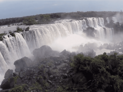 [VIDEO] DRONE sorvola le CASCATE DI IGUAZU' ed è subito MERAVIGLIA