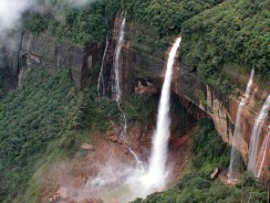 India, a Spasso tra le Nuvole del Meghalaya e le cascate del Nohkalikai