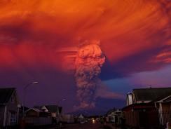 [VIDEO] CILE. Dopo 40 anni erutta il vulcano CALBUCO